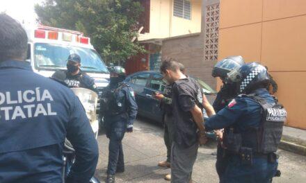 En Xalapa una mujer intentó suicidarse, su pareja fue detenido.