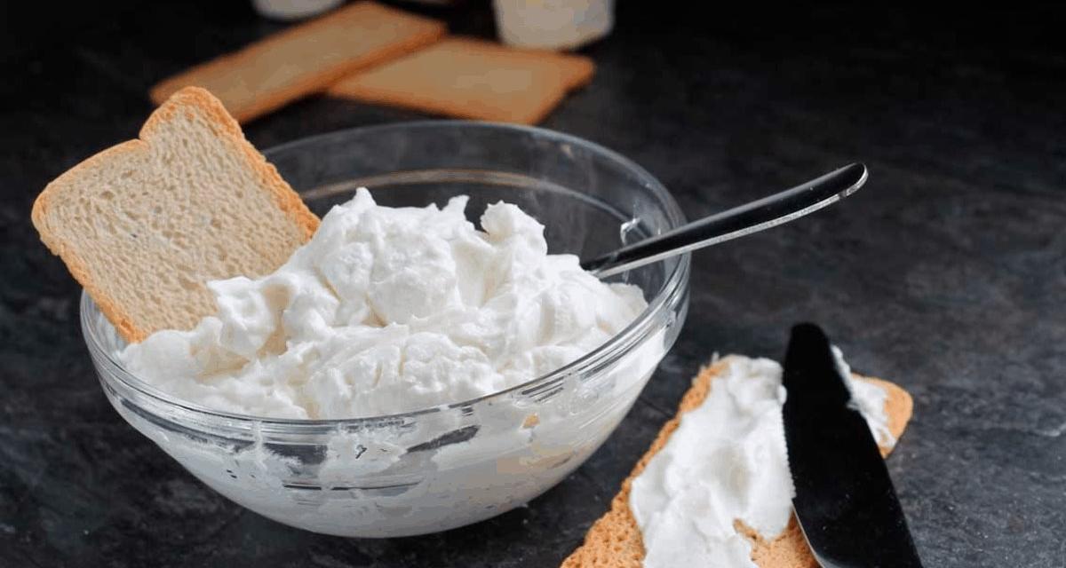 Fórmula secreta para hacer Queso crema en casa! La venta de queso crema marca Philadelphia fue prohibida por el gobierno mexicano, pero si eres de los miles que gustan de este producto, puedes prepararlo en casa de forma sencilla