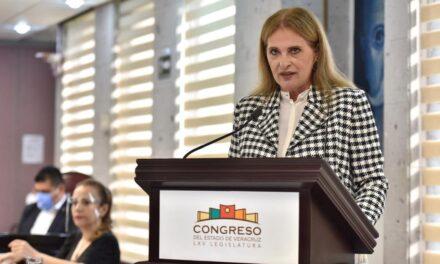 Solicita María Candelas Francisco licencia al cargo de diputada