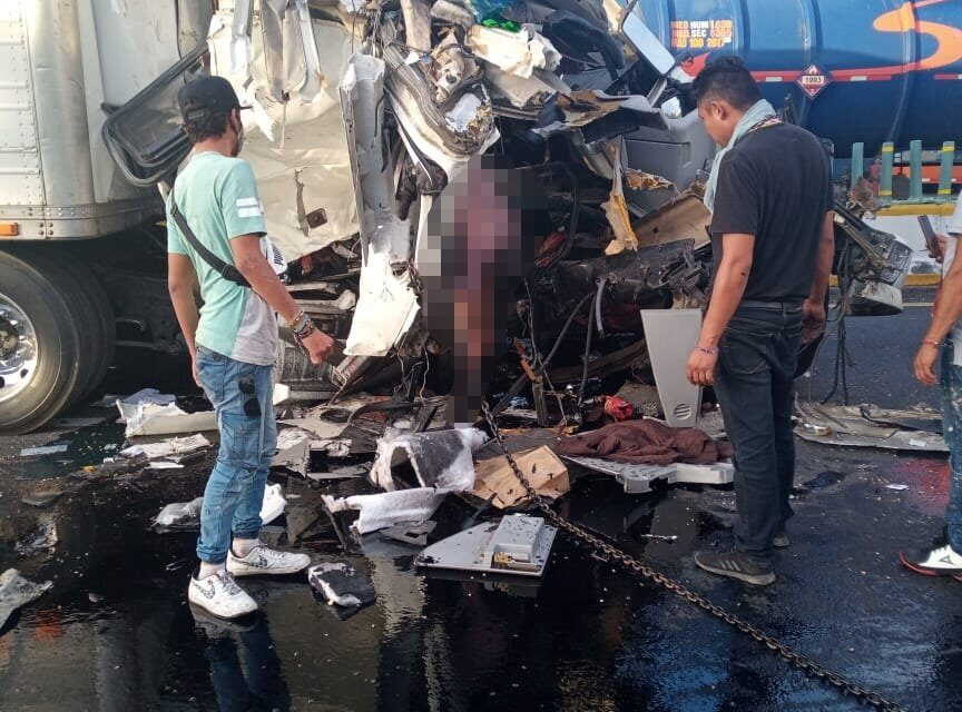 Fuerte accidente Carretera La Tinaja – Acayucan