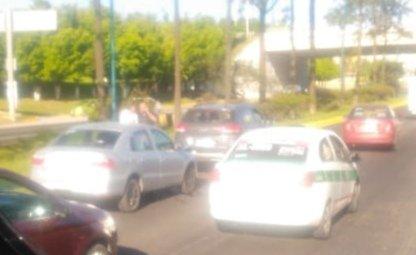 Accidente de tránsito sobre la Carretera Xalapa-Veracruz, a la altura de la SEV