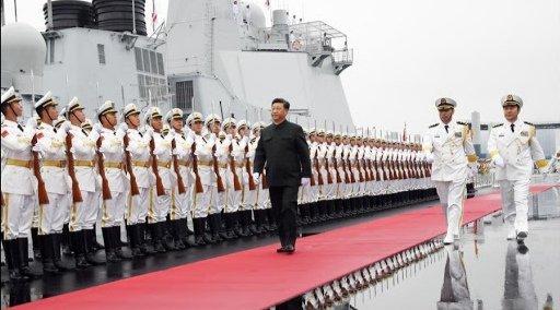 """El presidente de China hizo un llamado a las fuerzas armadas de su país de estar """"alerta"""" y """"preparados"""" para la guerra."""