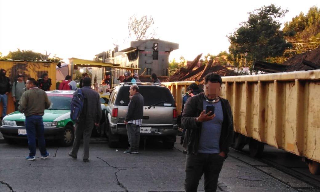 Video: Tren impacta camioneta y taxi en la avenida Chedraui Caram en Xalapa