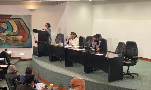 Durante una sesión de más de 11 horas, Senado aprobó el dictamen que reforma la extinción de fideicomisos.