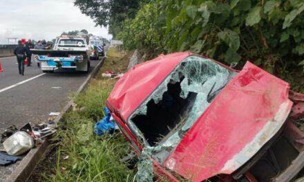 Volcadura en la carretera Perote – Xalapa, a la altura de Las Vigas