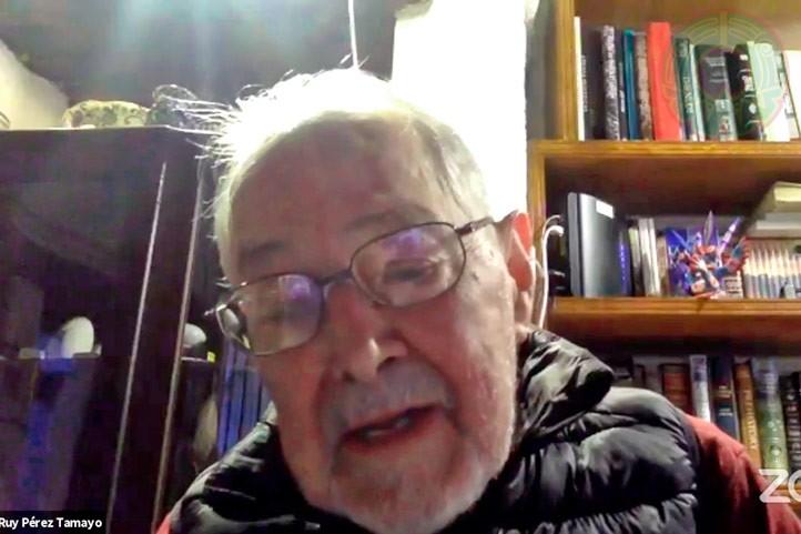 Ruy Pérez Tamayo agradeció a la UV por dedicar tres días para hablar de su legado y acciones