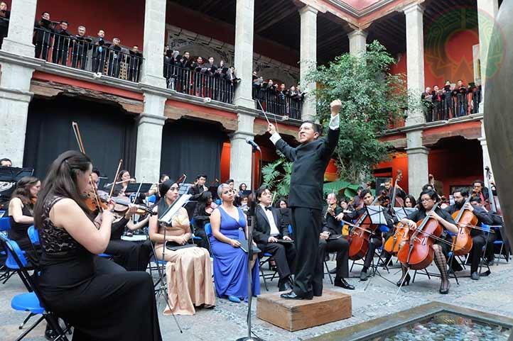 Con la Filarmónica de Puebla
