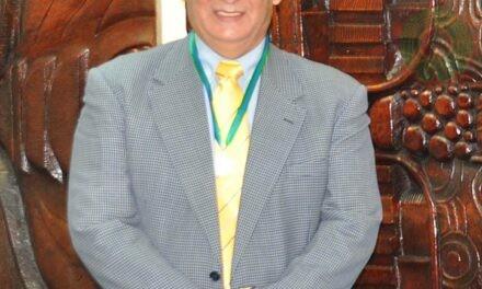Siempre he apostado a la educación: Rey Acosta Barradas