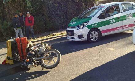 Motociclista lesionado en accidente de tránsito sobre la Avenida Paseo Xalapa