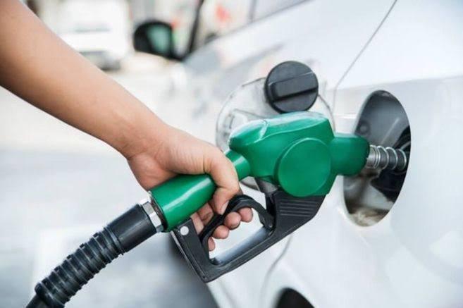 Reino Unido prohibirá la venta de coches de gasolina y diésel en 10 años