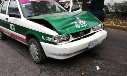 Accidente de tránsito sobre la avenida Américas esquina Obispo en Xalapa