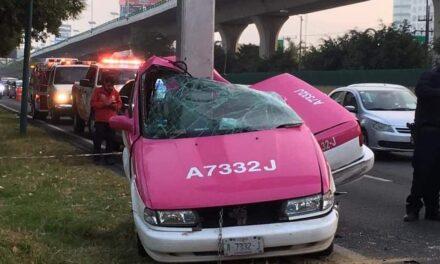 Taxista muere tras impactar su auto contra poste sobre Periférico Norte
