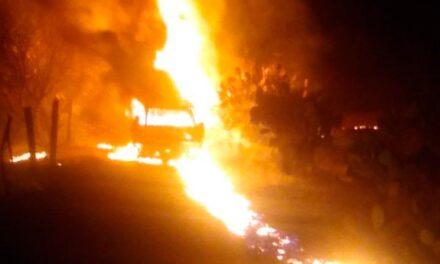 Arde toma clandestina en Nopala de Villagrán, Hidalgo