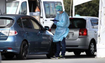 Nueva Zelanda vuelve a demostrar su 'mano dura' contra la pandemia al confinar 100 mil habitantes por un caso de Covid