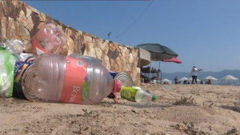 Turistas dejan más de 80 toneladas diarias de basura en Acapulco durante fin largo