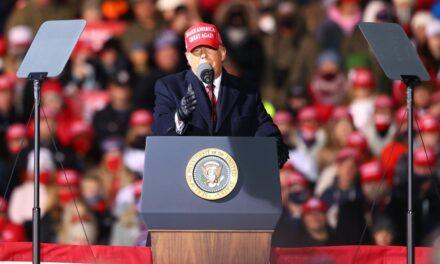 Campaña de Trump retira demanda en Michigan