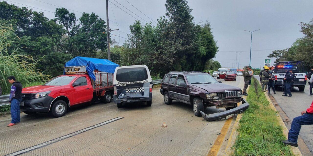 Galería: 10:30 de la mañana y van al menos 5 accidentes en la carretera Xalapa-Coatepec