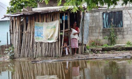 No ceden las inundaciones por las fuertes lluvias en Tabasco