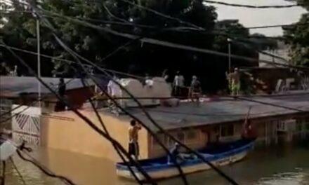 Video: Ante saqueos en Tabasco, habitantes de Macuspana se defienden con balas
