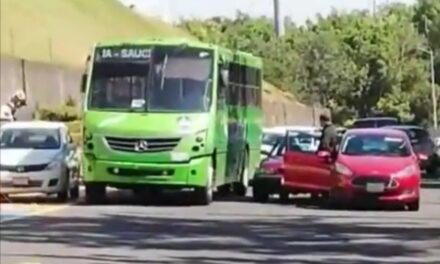 Precaución accidente de tránsito sobre el Arco Sur, a la altura de la Fiscalía del Estado
