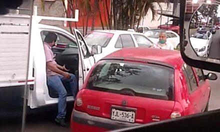 Accidente de tránsito sobre la avenida Lázaro Cárdenas, a la altura de Urban Center
