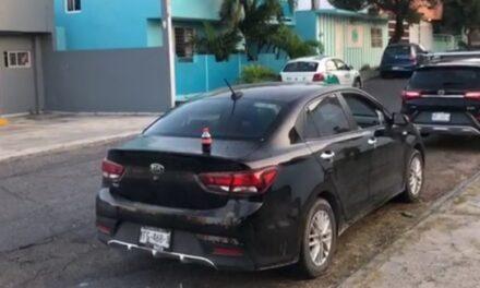 Cristalean su auto y les roban 150 mil, habían realizado retiro bancario y fueron a comprar pino de Navidad en la ciudad de Boca del Río