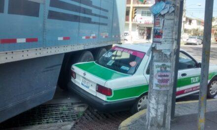 Accidente de tránsito sobre la avenida 1 de Mayo esquina Lucio Blanco
