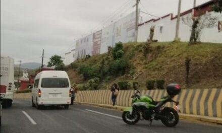 Accidente de tránsito sobre la avenida Lázaro Cárdenas, a la altura de la UX