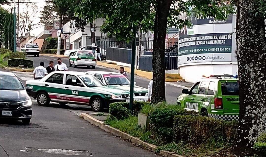 Accidente de tránsito sobre la avenida Américas esquina Justino Sarmiento en Xalapa