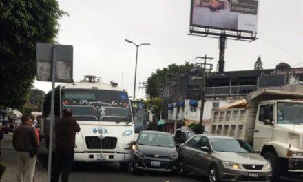 Accidente de tránsito sobre la avenida 20 de Noviembre, a la altura del panteón de Palo Verde