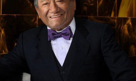 El cantautor yucateco Armando Manzanero Canché fue hospitalizado este día en la capital del país por sintomas de Covid