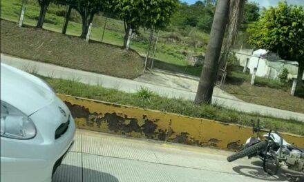 Accidente de tránsito sobre la carretera Xalapa-Coatepec, a la altura de Los Arenales