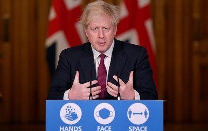 Boris Johnson confina Londres a unos días de la Navidad ante la expansión de una nueva variante del virus