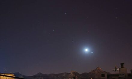 Cómo ver esta noche la histórica alineación entre Júpiter y Saturno