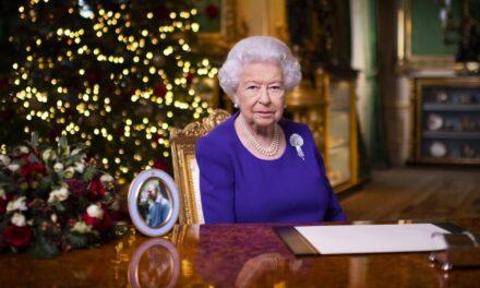 El mensaje de esperanza que lanzó la Reina Isabel en su felicitación navideña