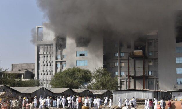 Incendio en fabrica que produce vacuna de Oxford y AstraZeneca contra COVID