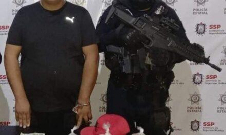 Empleado de pemex, detenido por vender huevo de tortuga en Facebook.