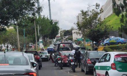 Persecución y detención de 2 personas a la altura de la Fiscalía, en Xalapa