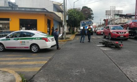 Motociclista lesionado en la avenida 20 de Noviembre esquina con calle Madero