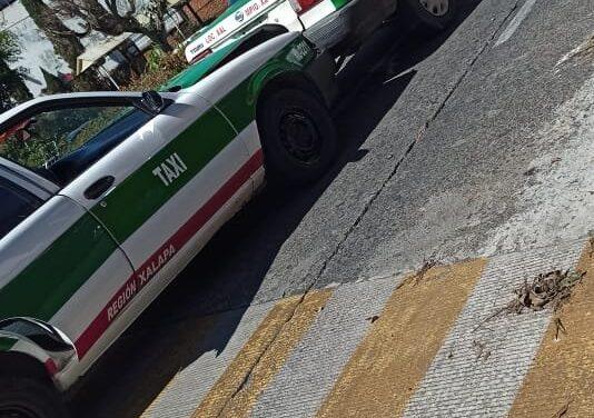 Carambola en la avenida Orizaba, 2 taxis involucrados