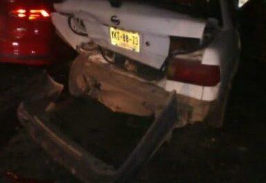 Carambola en peligrosa zanja sobre la carretera Veracruz-Xalapa, 2 personas lesionadas