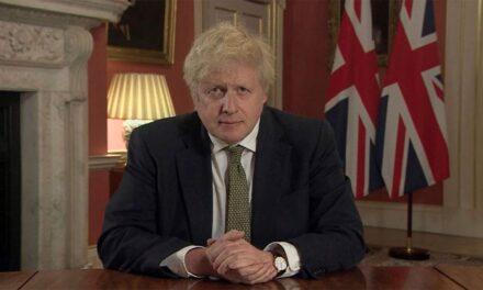 Boris Johnson anunció un nuevo confinamiento total en Inglaterra La medida fue tomada ante el riesgo de que los servicios sanitarios sean desbordados ante el alarmante aumento de casos provocados por la nueva variante británica de coronavirus