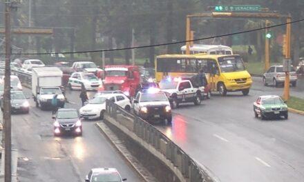 Accidente en la avenida Lázaro Cárdenas, esquina con avenida Xalapa