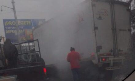 Se incendia vehículo en la avenida Ruiz Cortines, Xalapa