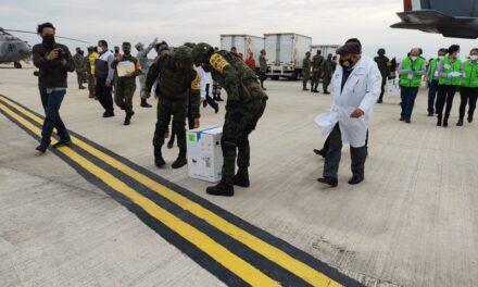 Llega el primer cargamento de vacunas contra COVID-19 a Veracruz