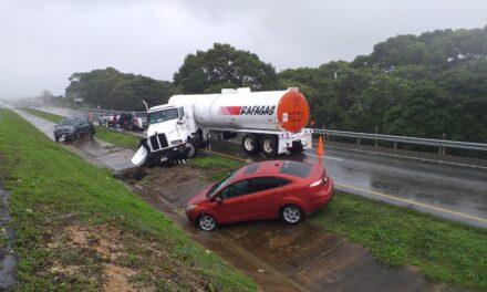 Accidente en la carretera La Coatzacoalcos -Villahermosa