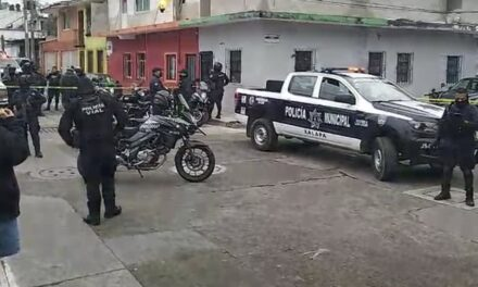 Operativo de seguridad en calle Costa Rica en Xalapa