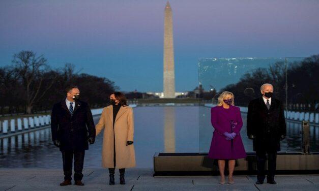 Joe Biden y Kamala Harris homenajean a 400 mil muertos por COVID-19 en EEUU