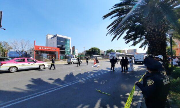 Muere ciclista tras ser atropellado sobre Calzada de Tlalpan a la altura del Metro Viaducto