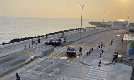 Accidente sobre el bulevar Ávila Camacho en Boca del Río